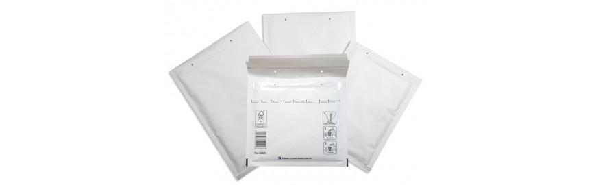 Bijele kuverte s jastučićima